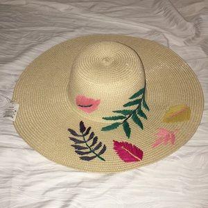 Beach Hat NWT